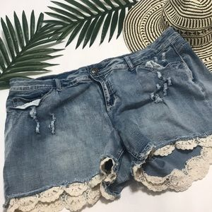 Pants - Lace Detail Plus Size Shorts